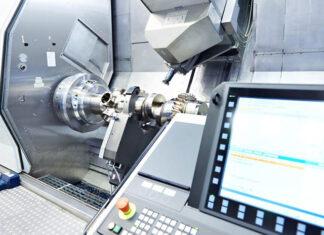 Przemysł a maszyny CNC – poznaj zalety tych nowoczesnych urządzeń